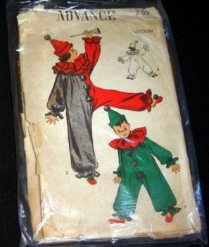 Advance 707 Child's Clown Costume Sewing Pattern