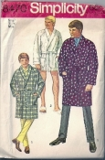 Simplicity 8470 Men's Boys 60s Small (34-36 Chest) Robe Sewing Pattern CUT