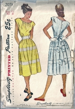 Simplicity 2071 40s 50s Vintage Dress Sewing Pattern Bust 33 One Piece Dress