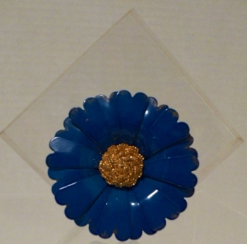 1960s Blue Metal Daisy Flower Power Pin Brooch Gold Center